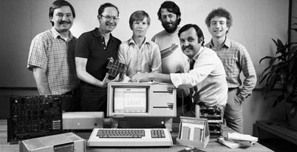 گروه ساخت مکینتاش در سال 1984