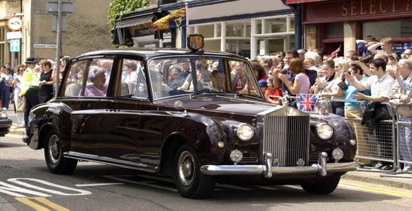 رولز رویس ملکه انگلستان در حراجی