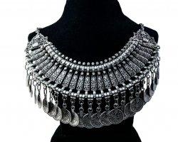 گردنبند زنانه در فروشگاه اینترنتی