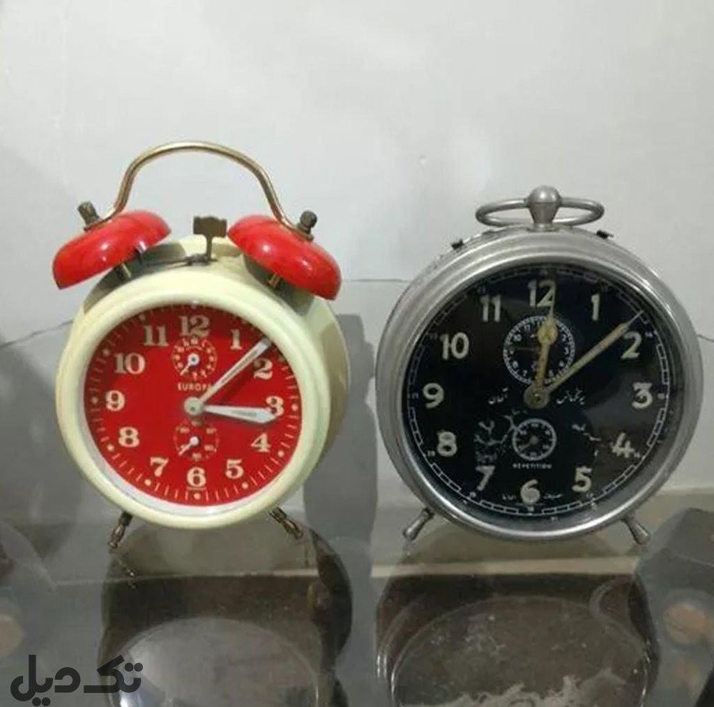 دو عدد ساعت آلمانی قدیمی