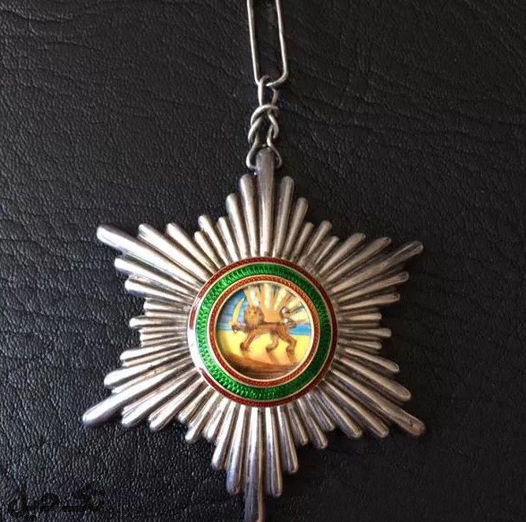 مدال همایونی شش پر