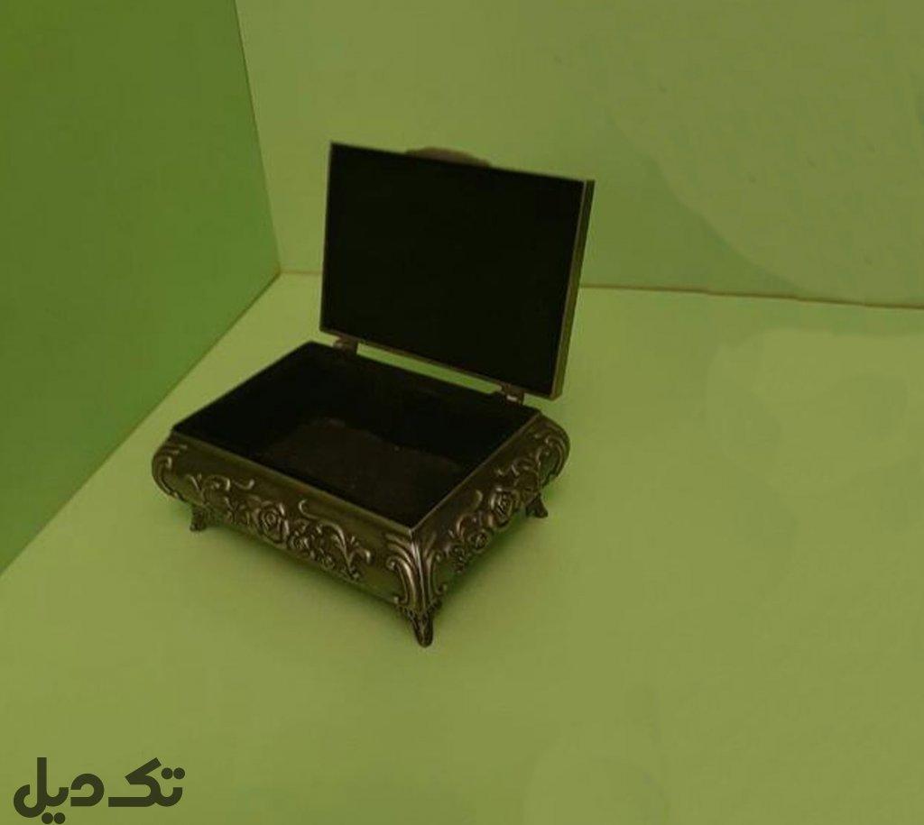 جعبه تمام فلزی آنتیک