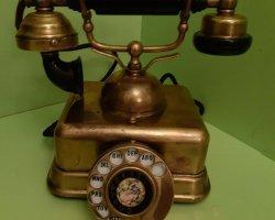 تلفن قدیمی در فروشگاه اینترنتی