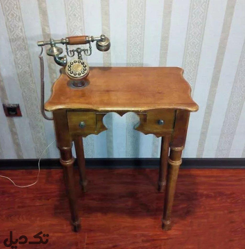 میز قدیمی چوبی