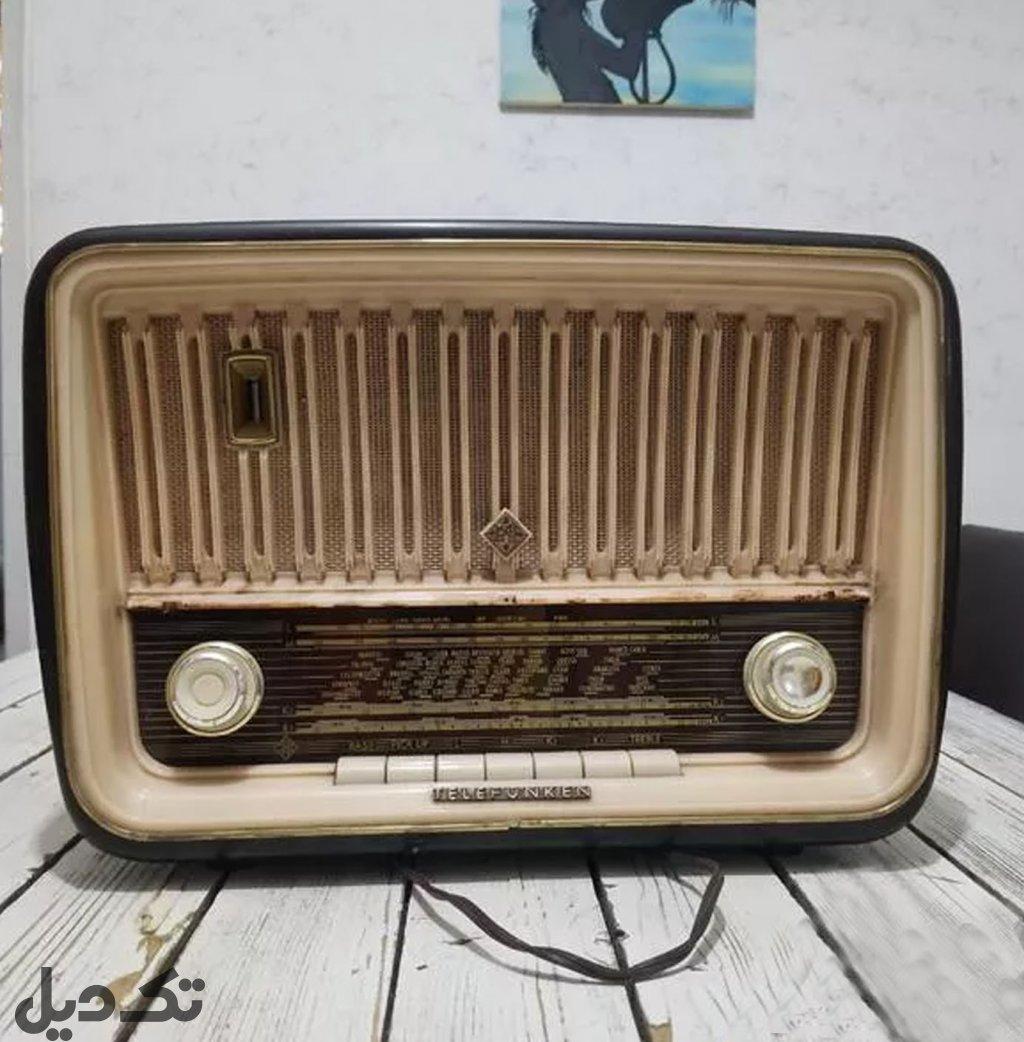 رادیو قدیمی عتیقه