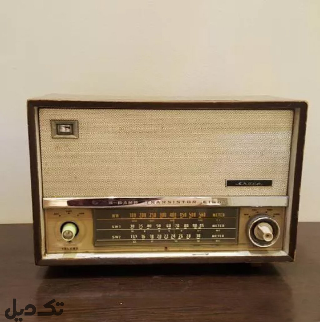 رادیو قدیمی ژاپنی
