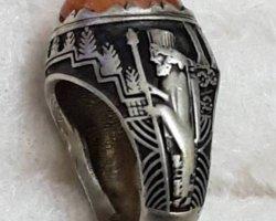 انگشتر در  مویی  موزه ای در فروشگاه اینترنتی