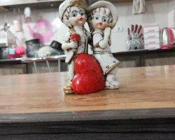 مجسمه دختر و پسر در فروشگاه اینترنتی