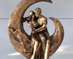 مجسمه ماه سوار در فروشگاه اینترنتی