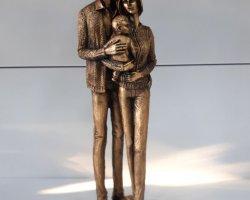 مجسمه پلی استر خانواده در فروشگاه اینترنتی