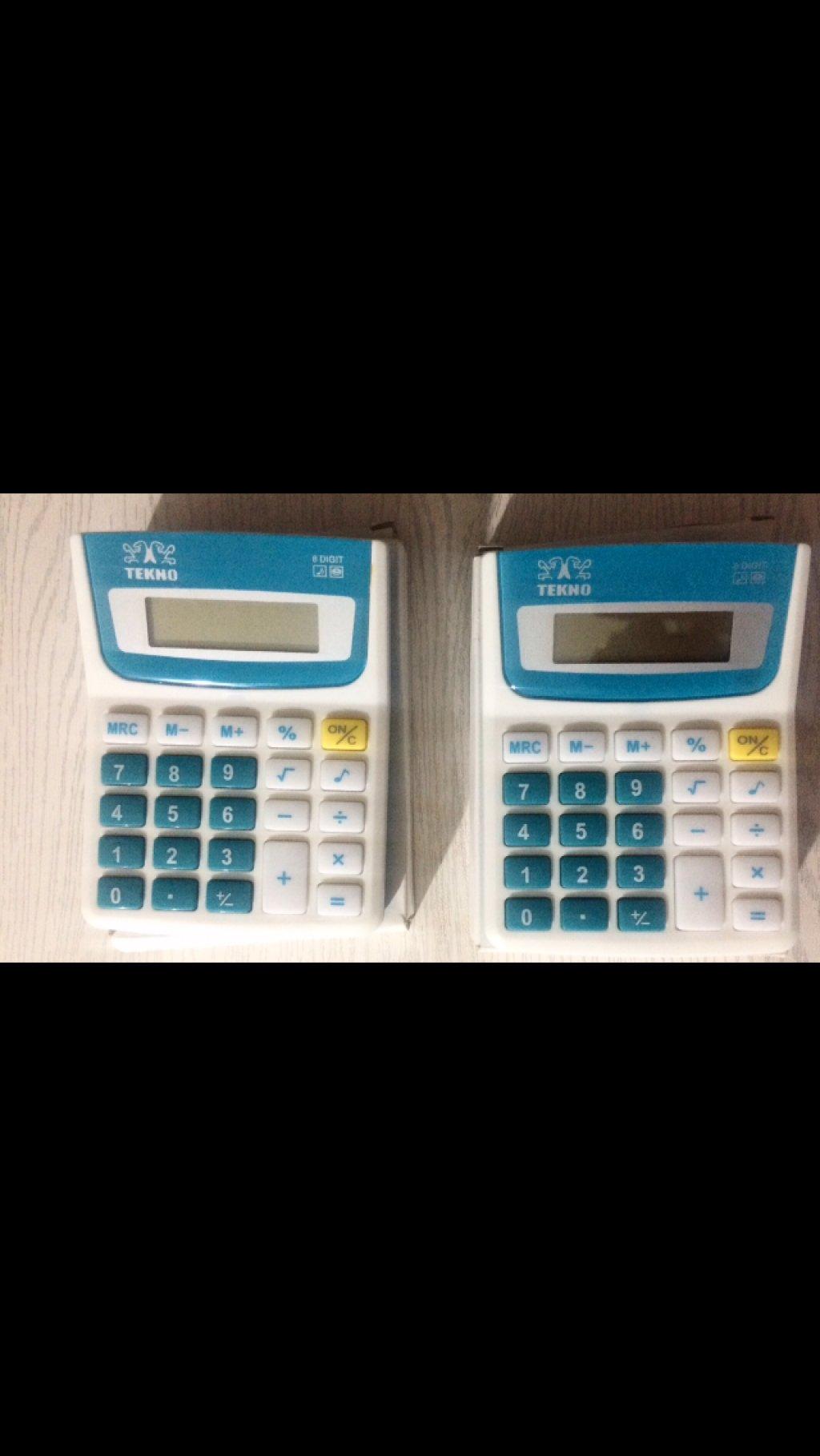 دو عدد ماشین حساب
