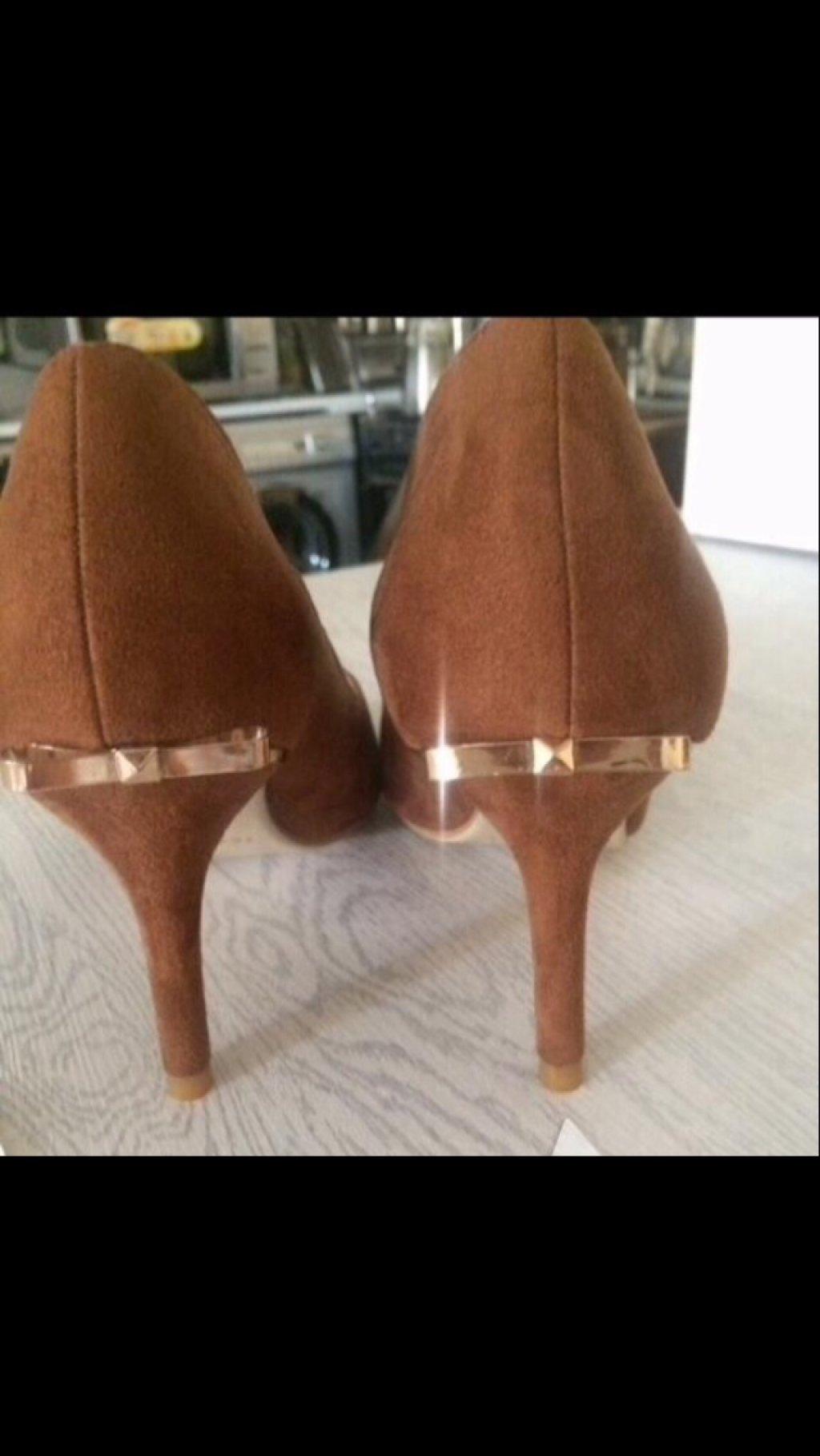 کفش جیر ترک سایز ٣٨ نو