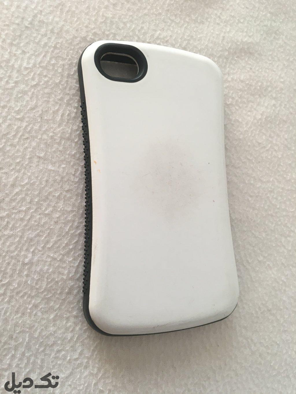 گوشی ایفون ۴