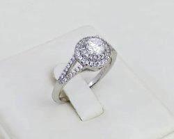 حلقه مدل الماس در فروشگاه اینترنتی